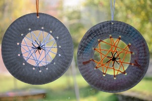 paper plate spider webs via no wooden spoons